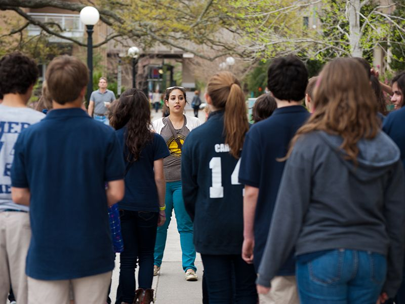 Student leads campus tour