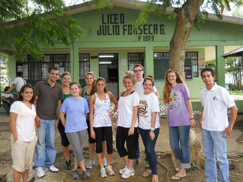 Tulane students engage in educational service learning at a local school in San José, Costa Rica.